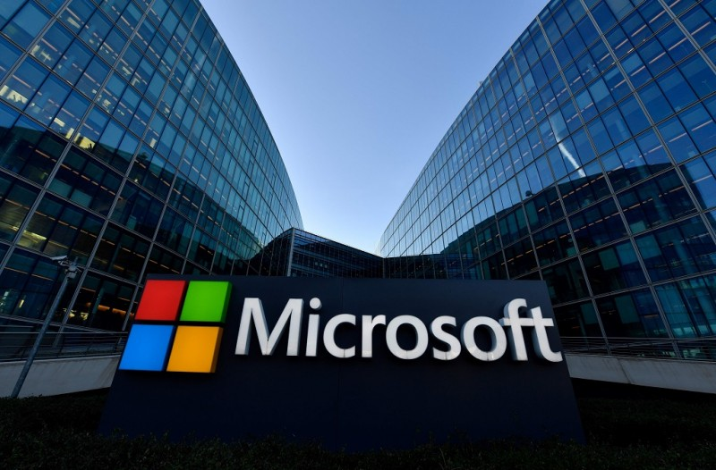 Microsoft ikut larang iklan cryptocurrency. (AFP PHOTO / GERARD JULIEN)
