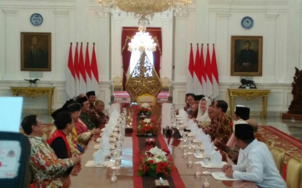 Presiden Joko Widodo mengumpulkan tokoh lintas agama di Istana Merdeka, Jakarta. Foto: Medcom.id/Achmad Zulfikar Fazli.