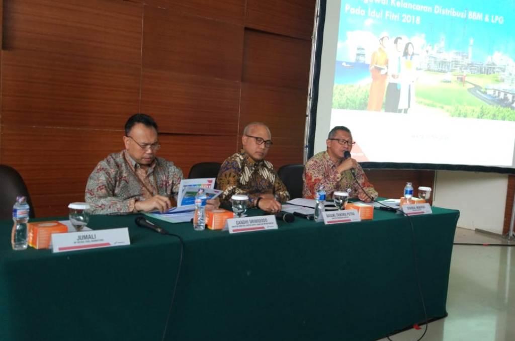 Sekretaris Perusahaan Pertamina Syahrial Mukhtar (kanan). (FOTO: Medcom.id/Annisa Ayu)