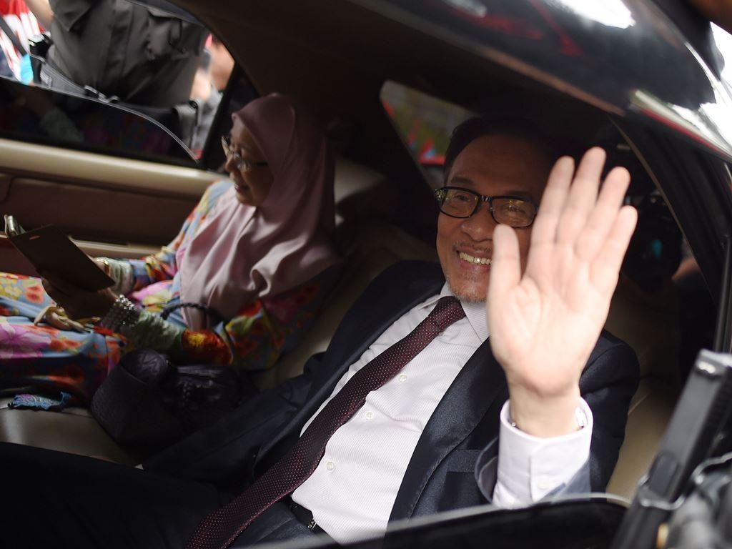Anwar Ibrahim dibebaskan. (Foto: AFP).