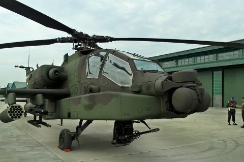 8 Helikopter Apache Perkuat Alutsista TNI AD