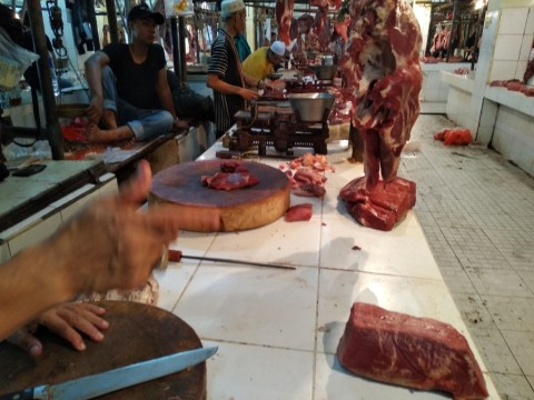 Jelang Puasa, Pembeli di Pasar Kramat Jati Sepi