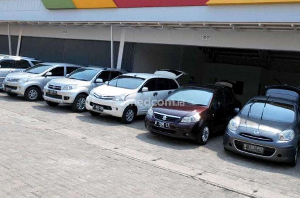 Teliti beli mobil bekas untuk mudik. Medcom.id/M. Bagus Rachmanto