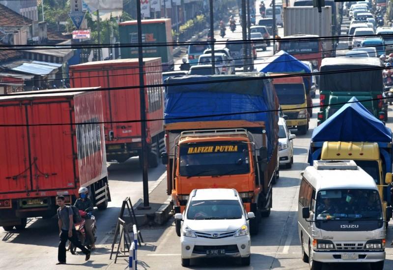 Ilustrasi angkutan barang. (FOTO: ANTARA/Oky)