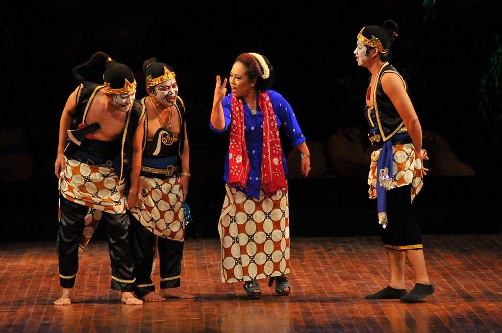 Nunung tampil bersama Srimulat (Foto: Antara/Zabur Karuru)