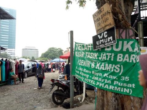 Suasana Pasar Tasik di samping Hotel Pharmin, Tanah Abang,