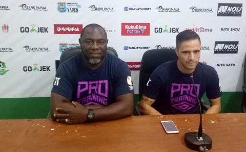 Pelatih Barito Putera, Jacksen F Thiago dan pemain Barito