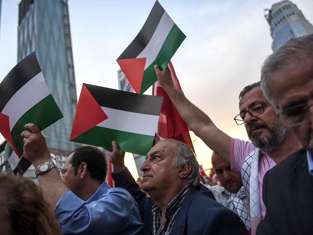 Pendukung Palestina merdeka. (Foto: AFP).