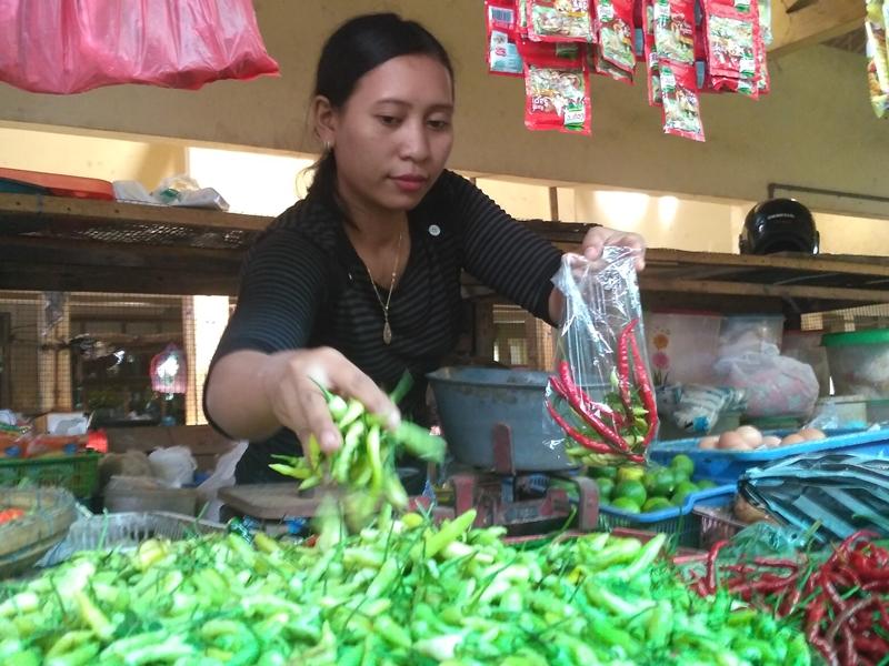 Pedagang bumbu dapur di Pasar Jepara Satu, Jepara, Jawa Tengah. Medcom.id/Rhobi Shani