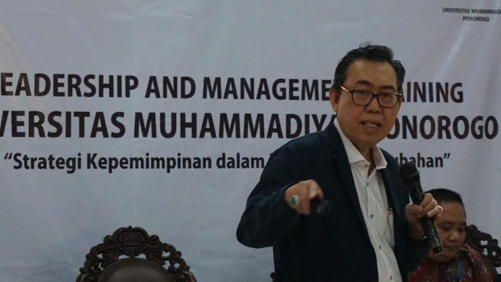 Rektor Universitas Widya Mataram Yogyakarta (UWMY) Edy Suandi Hamid.