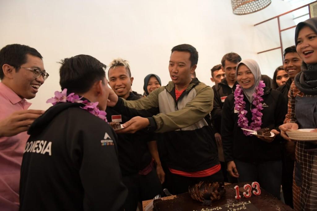 Timnas Panjat Tebing Indonesia hari Rabu (16/5) sore tiba di Terminal 3, Bandar Udara Internasional Soekarno-Hatta, Tangerang, Banten. Kedatangan para atlet disambut Menpora Imam Nahrawi. Foto; Dok. Kemenpora