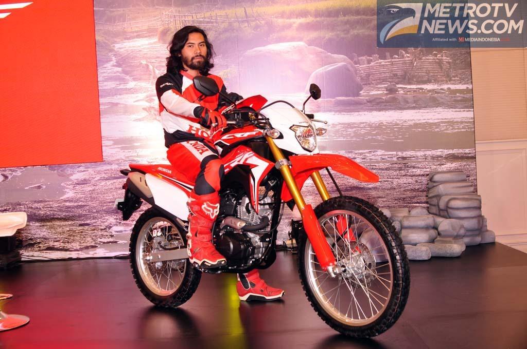 Honda CRF 150L ungguli penjualan Kawasaki KLX 150. Medcom/ A. Harry Budiawan