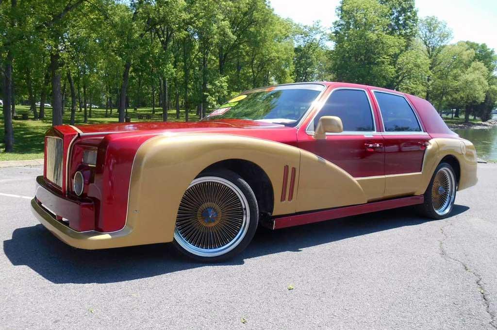 Towncar Lincoln 1996 berubah wujud menjadi Rolls-Royce Phantom. Carscoops