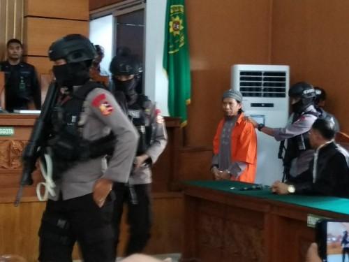 Terdakwa kasus dugaan teror bom Thamrin Aman Abdurrahman alias