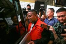 KPK Perpanjang Masa Penahanan Bupati Mojokerto