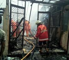 6 Ruko Terbakar di Tanjung Duren, Satu Anak Tewas