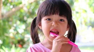 Tips Menjaga Kesehatan Gigi saat Berpuasa