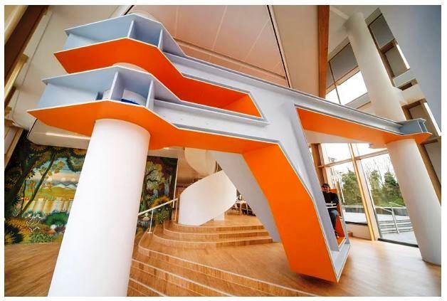 Frank Havermans merancangnya untuk kantor pusat pabrika cat Akzonobel yang tahun ini jadi partner tim balap Formula 1 McLaren . designboom/martin van wenzel