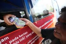 Penukaran Uang di Solo Wajib Mencelupkan Jari