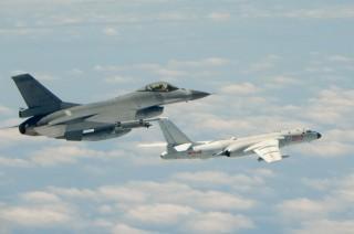 Tiongkok Hadirkan Pesawat Pengebom di Laut China Selatan