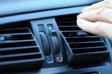 Ciri-ciri Freon AC Mobil Habis