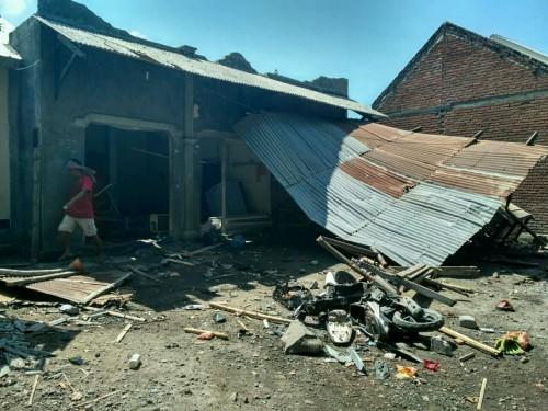 Salag satu rumah warga Ahmadiyah yang diserang. (Istimewa)