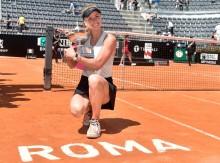 Kalahkan Halep, Svitolina Pertahankan Gelar Rome Open