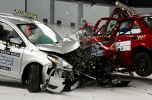Mobil Modern Berbodi Ringkih? Syarat Keselamatan Penumpang