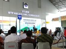 Jokowi Tegaskan Bukan PKI ke Warga Minangkabau