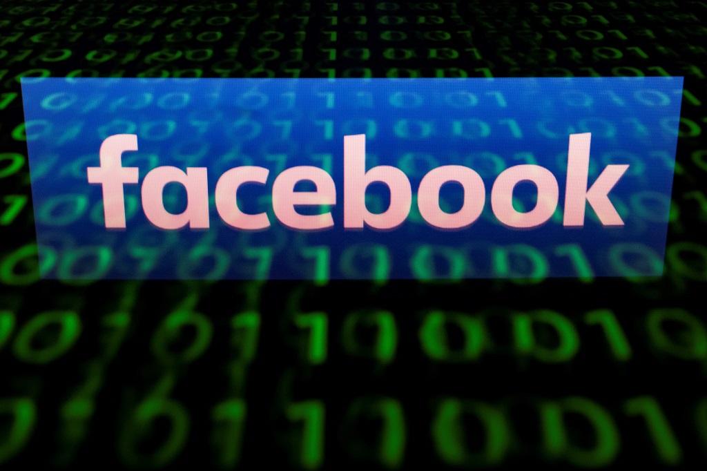 Pengguna Facebook justru naik setelah skandal Cambridge Analytica. (AFP PHOTO / Lionel BONAVENTURE)