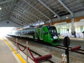 Jokowi Visits West Sumatra, Inaugurates Airport Rail Link