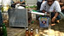 Bandung Kaji Inovasi Sampah Plastik Jadi BBM
