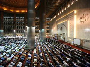 Ikuti Saran Ulama, Pemprov DKI Batalkan Tarawih Akbar di Monas