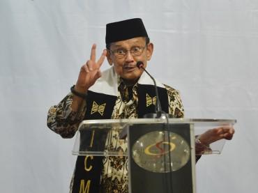 BJ Habibie: Reformasi tak Berhenti Sampai Mati