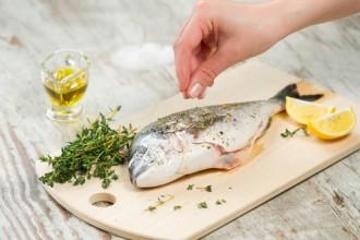 Makan Ikan Sejak Kecil Bantu Turunkan Risiko Kanker Payudara