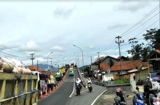 Jalan Layang Kretek Favorit Sopir Truk Lintasi Brebes