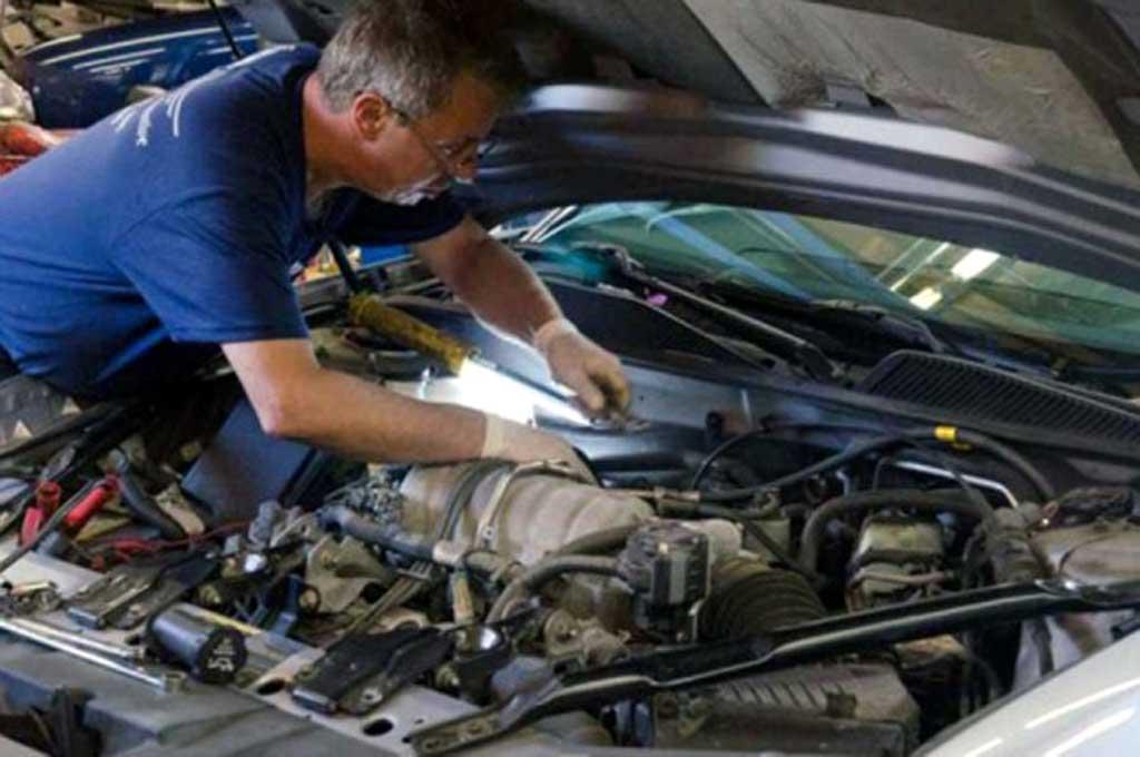 Tune Up mesin mobil sebelum mudik cegah mogok di jalan. Weedfamilyautomotive