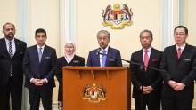 Gaji Menteri Kabinet Malaysia Dipotong 10 Persen