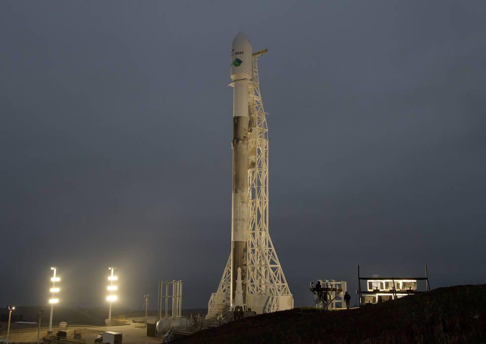 Roket Falcon 9 membawa dua satelit GRACE-FO. (NASA / Bill Ingalls)