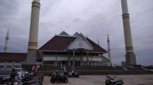 Arti Lima Menara Masjid Raya KH Hasyim Asy'ari