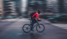 Jalan Kaki atau Bersepeda ke Kantor Turunkan Risiko Penyakit Jantung dan Stroke