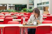 Makan Sendirian Bisa Memicu Perasaan Tidak Bahagia