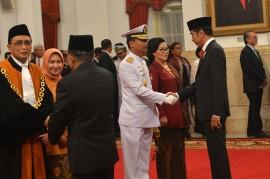Jokowi Lantik Wakil Ketua MA dan KSAL Baru