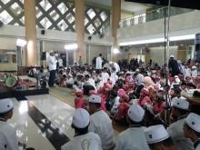 Metro TV Berikan Santunan kepada 1.800 Anak Yatim