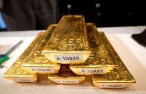 Penguatan USD Tekan Harga Emas Dunia