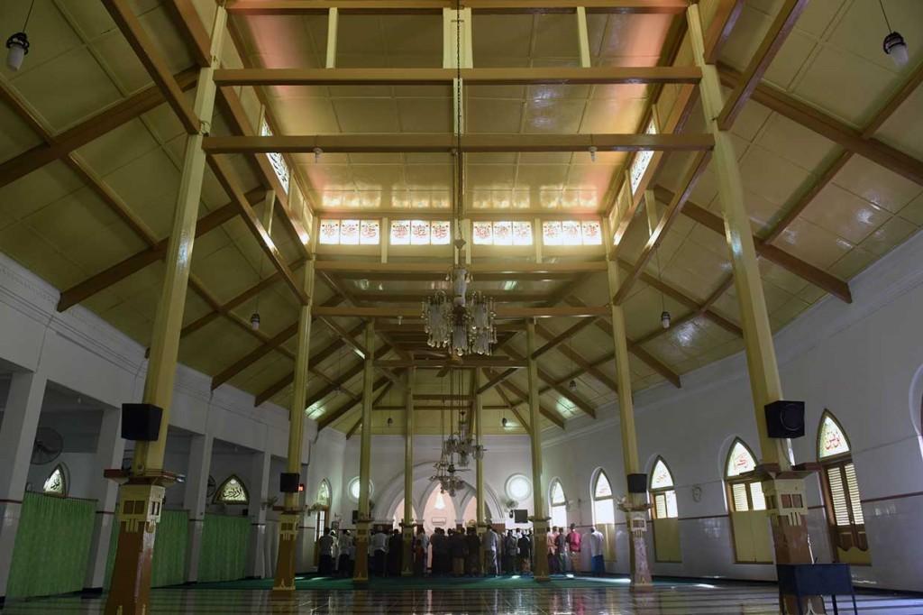 Indahnya Masjid Jami Peneleh Surabaya