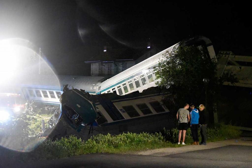 Kereta Tabrak Truk di Italia, 2 Orang Tewas