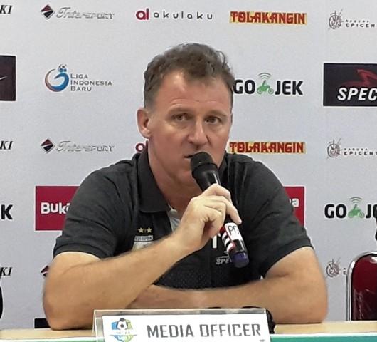 Pelatih Persipura Peter Butler-Medcom.id/Patrick