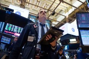 Wall Street Turun Tipis di Tengah Rilis Data Ekonomi