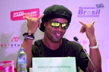 Ronaldinho Berencana Nikahi Dua Wanita Sekaligus